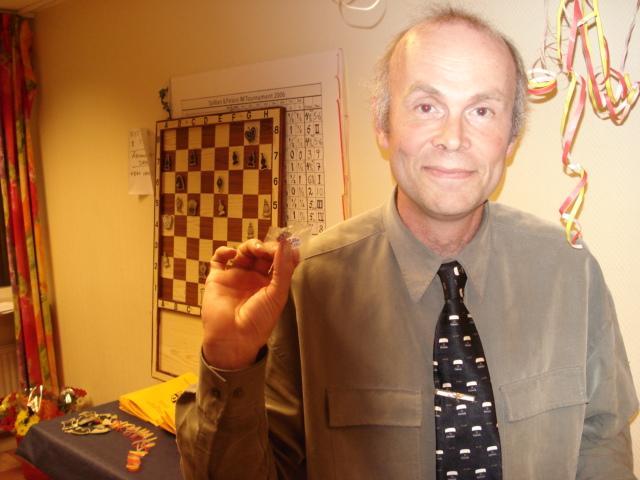 Jan Herrman fick veteranmärket i silver för 25 medlemsår i Manhem