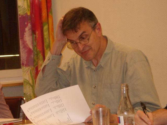 Claes Brauer sliter sitt hår över sena avgiftsbetalare