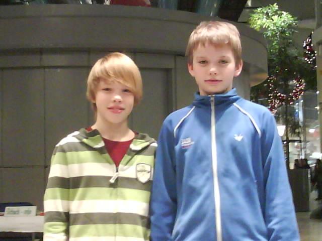 Etta och tvåa i Nordstans knattecup: Hannes Thell och Lukas Thell.