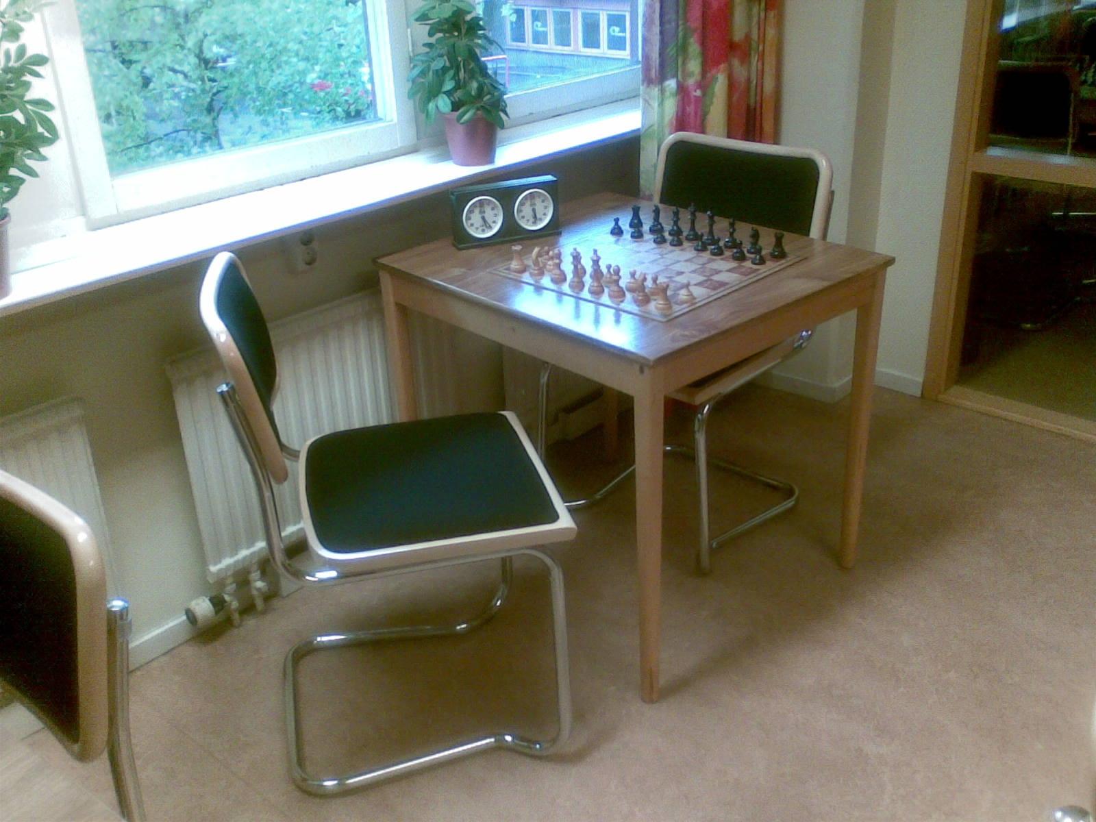 Nya stolar i Manhems smårum för bästa spelkomfort