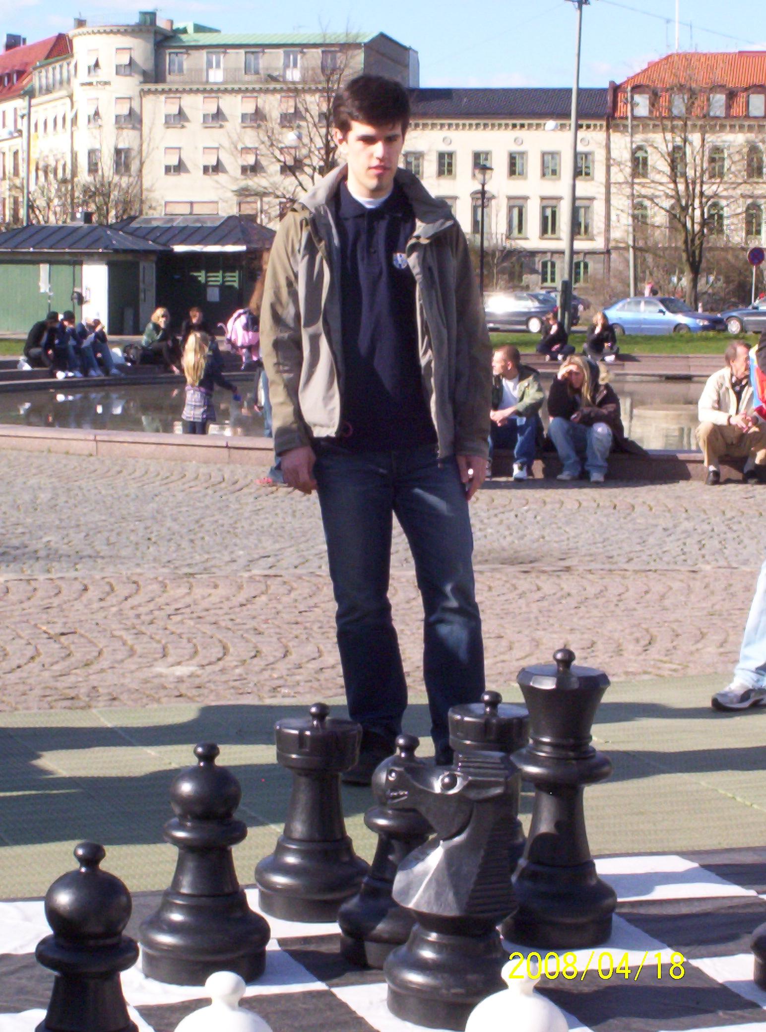 Peter Vas ställde upp till kamp på storbrädet.