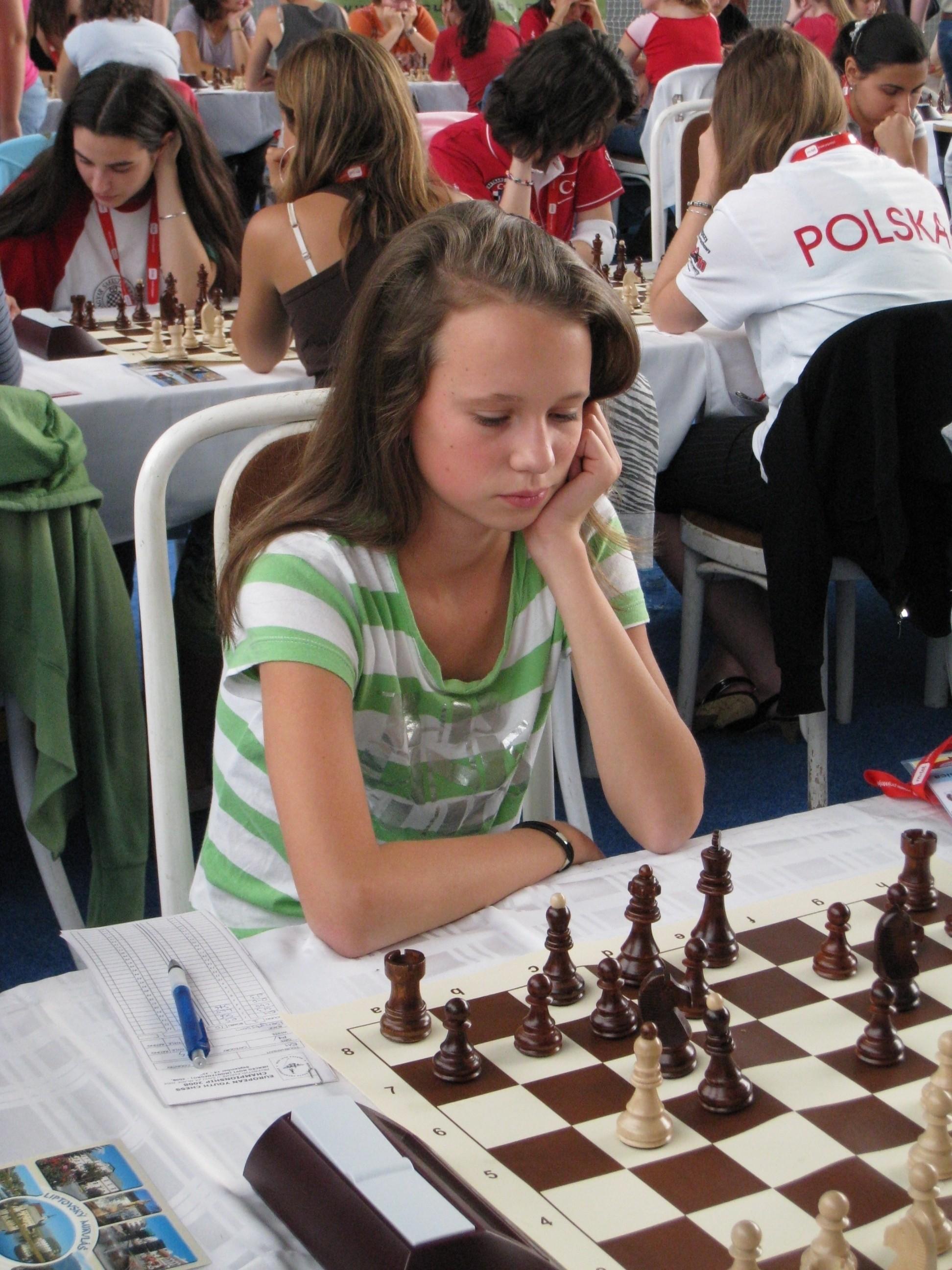 Jessica Bengtsson i Ungdoms-EM: är det den spanska löparen man skymtar på c5 (ej b5)?