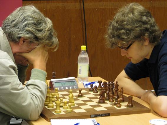 Manhems first string Victor Nithander i framgångsrik kamp med stormästaren Lars Karlsson