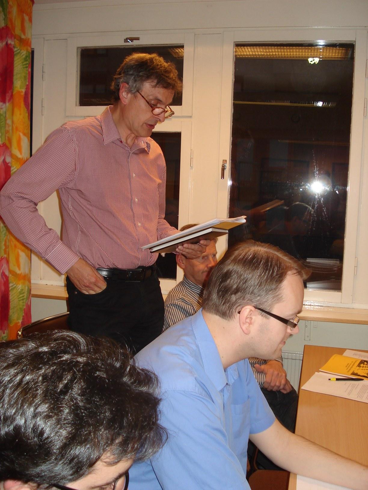 I revisorernas frånvaro läste Claes Brauer upp revisionsberättelsen.