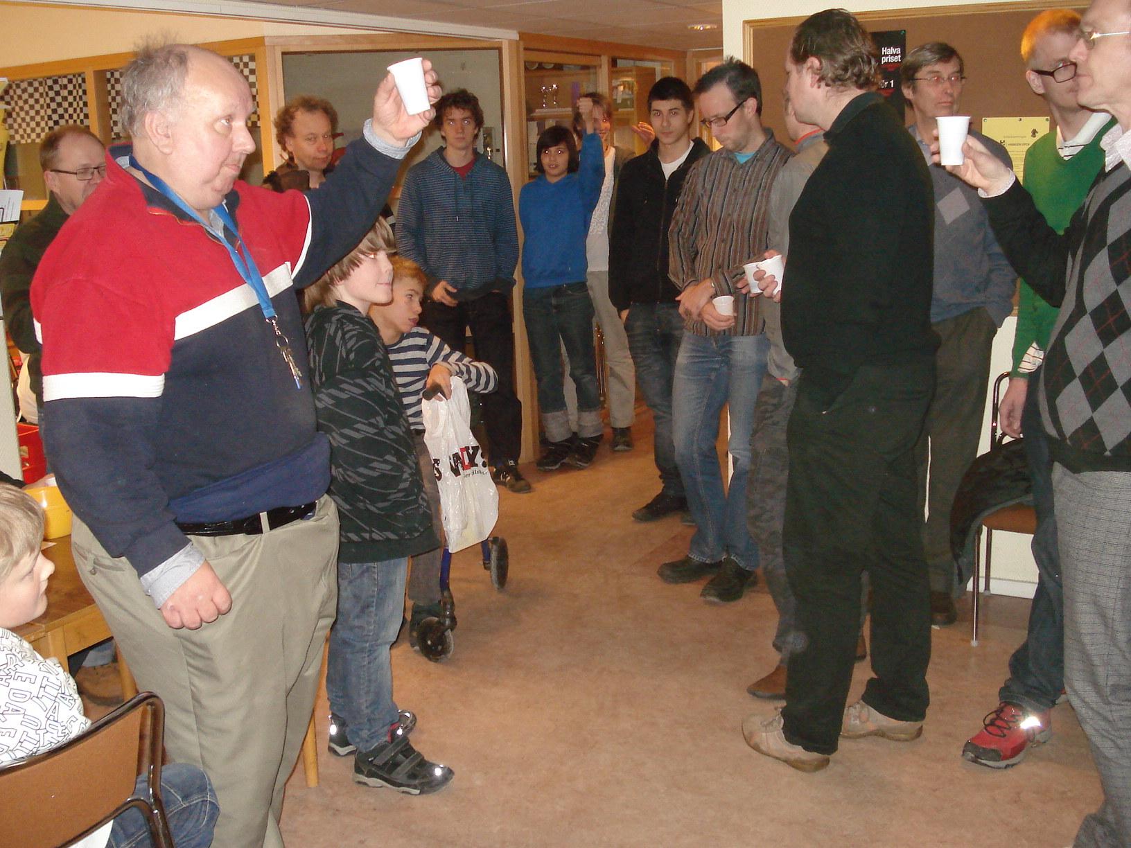 Claes R Nilsheden hälsar välkommen till 2010 års lussefest.