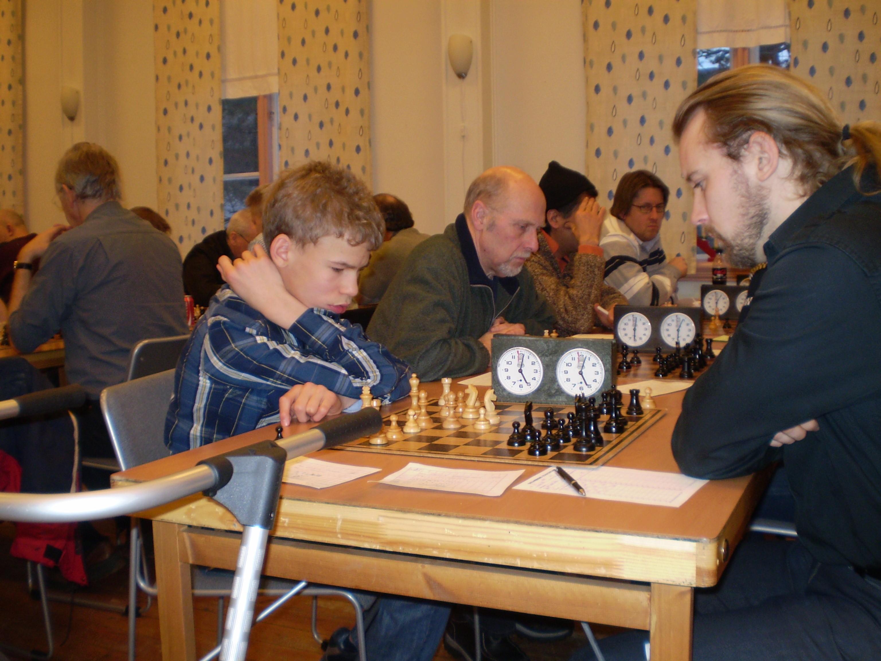 Ett hett manhemderbyi  Hisingen Open: Gabriel Svorono mot Patrik Abrahamsson.