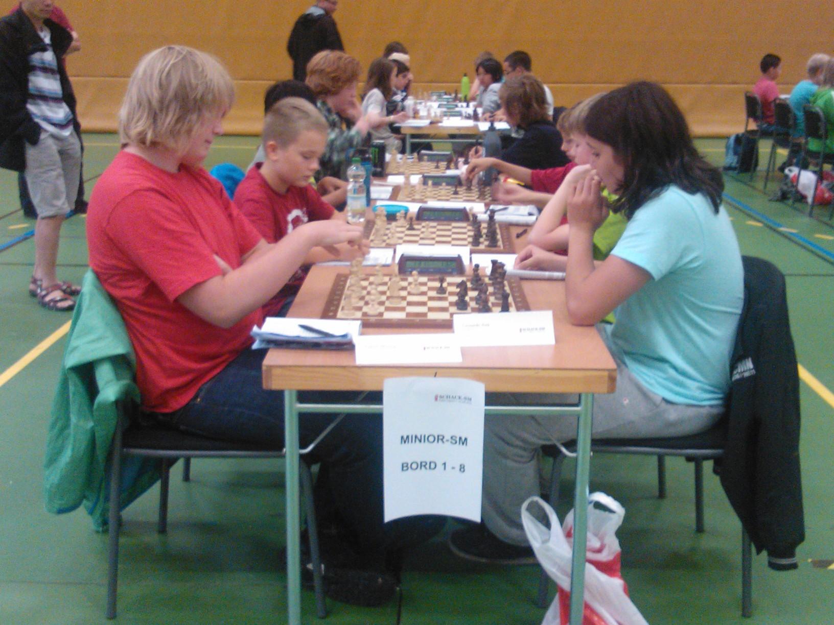 Toppmöte i femte ronden: slutsegraren Joakim Mörling ställs mot Manhems framtidsman Leonardo Aira (Foto: Teresa Aira).